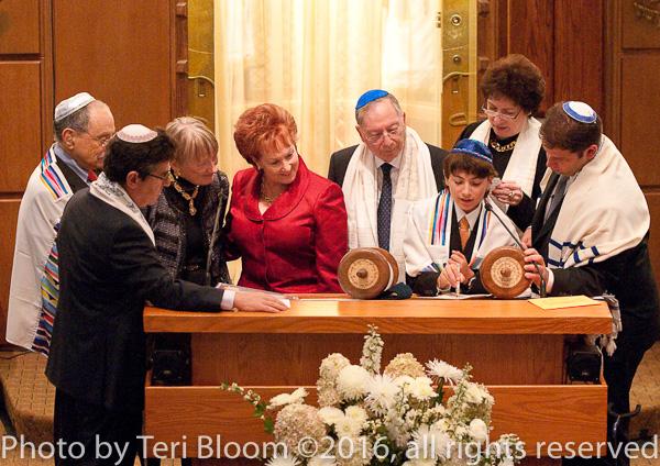 bar mitzvah photographer nyc, bat mitzvah photography ny city, mitzvah party photos